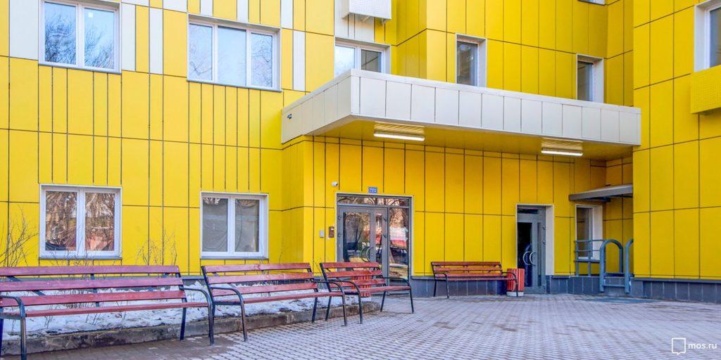 139 семей из трех домов в ЗАО и ЮЗАО переехали в новые дома