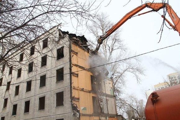 Снос расселённой пятиэтажки на улице Гродненская