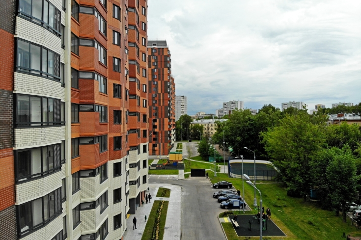 Власти Москвы заявили о нехватке строителей для программы реновации