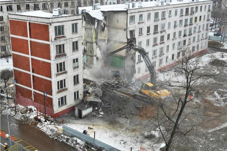 """В Бабушкинском районе демонтировали пятиэтажку по технологии """"умного сноса"""""""