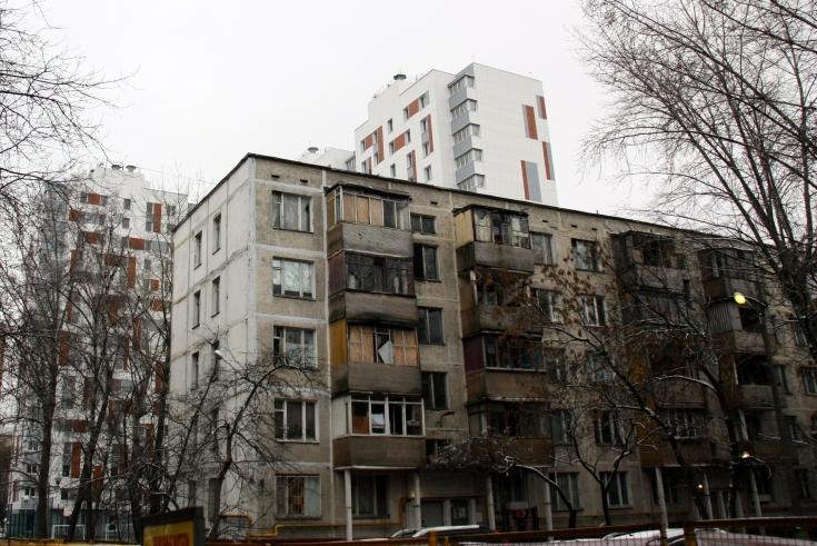 Первые жители пятиэтажки в районе Фили-Давыдково получили ключи от новых квартир
