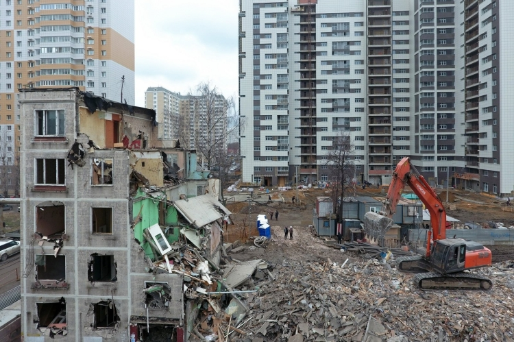 Власти Москвы увеличат компенсации за снос гаражей