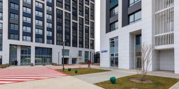 В микрорайоне Камушки в ЦАО начался переезд жителей еще трех пятиэтажек в новостройку в Мукомольном проезде,дом 2