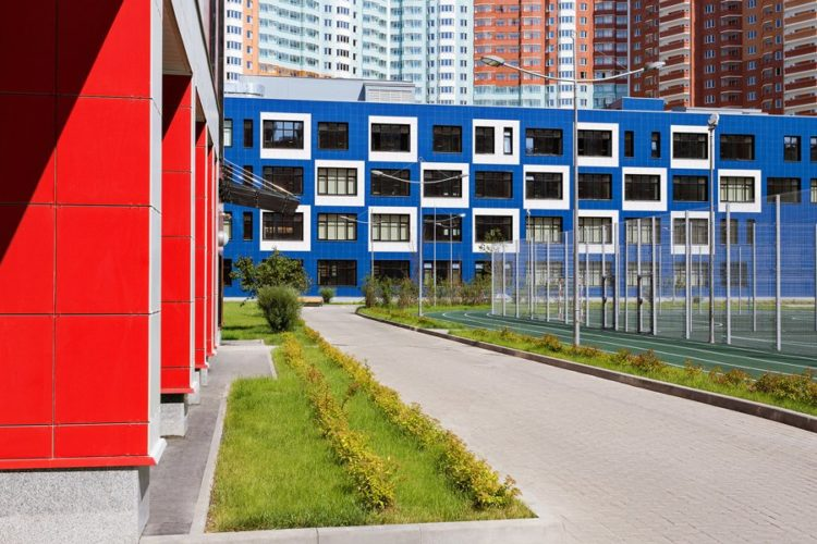 Три детских сада и школу построят в районе Зюзино по реновации