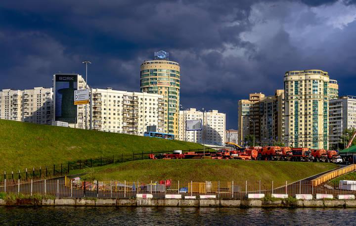 Строительство жилого комплекса по программе реновации в Левобережном районе завершат к 2023 году