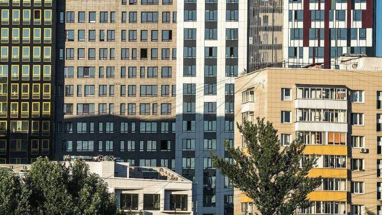 Загрутдинов: более 60 домов по реновации введут в Москве до конца года