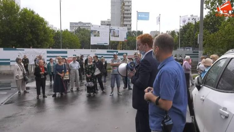 В Москве прошел сход жителей против реновации