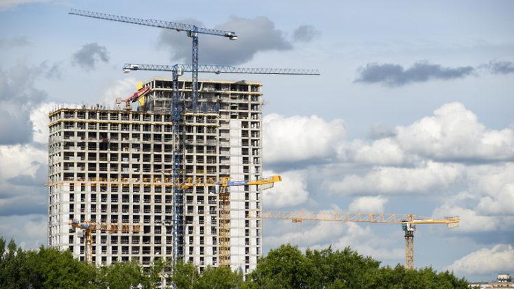 На стройках Москвы могут усилить санитарные меры из‑за коронавируса