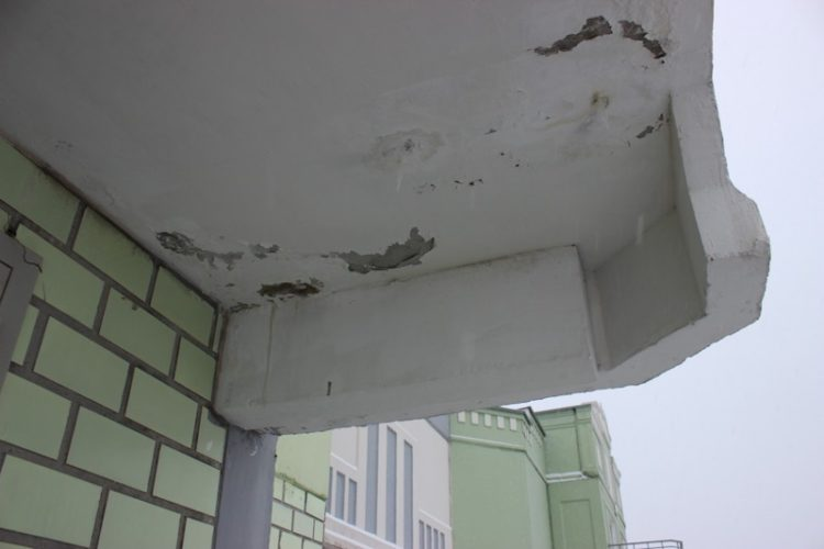 Жители Академического района пожаловались на разгерметизацию в домах по реновации