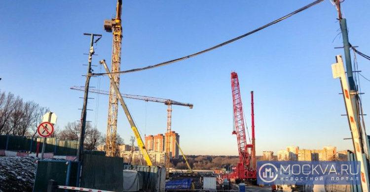 Из-за дефицита строителей в Москве забуксовали сроки сдачи домов по реновации