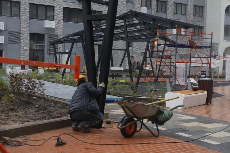 Реновация в центре столицы: Для новоселов строится дом с арочными окнами