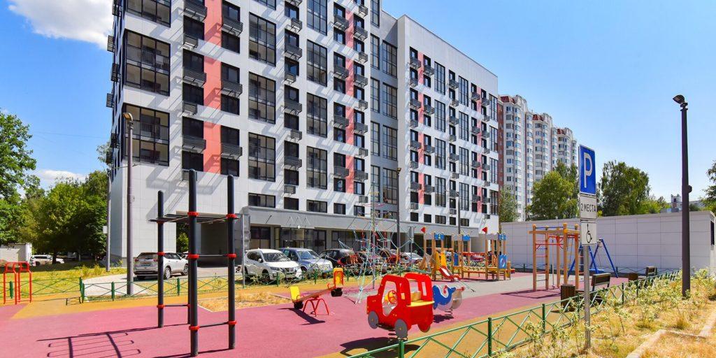 Программа реновации: 97% жителей двух домов на улице Героев-Панфиловцев выбрали новые квартиры